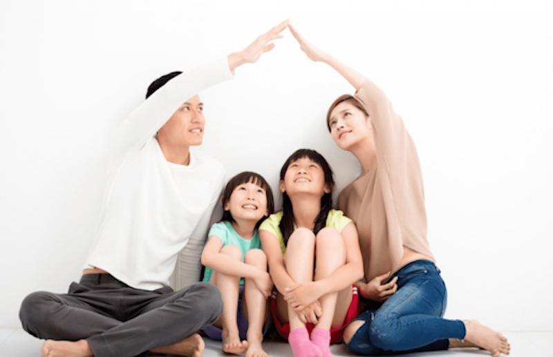 Cha mẹ có nên lén theo dõi, quản lý con cái trên mạng xã hội?