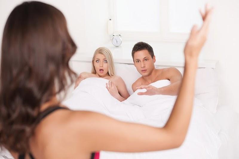 Hé lộ 3 cách theo dõi vợ/chồng ngoại tình hiệu quả nhất